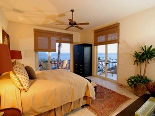 Cabo San Lucas villa photo - Spacious second bedroom suite