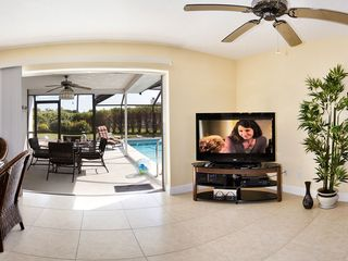 Cape Coral house photo - Covered outside sitting area