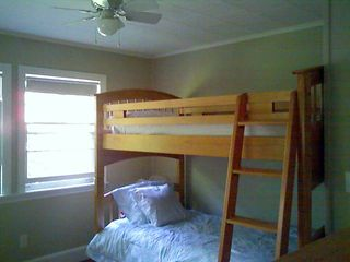 Rye cottage photo - Second bedroom bunk beds can be converted to twin beds