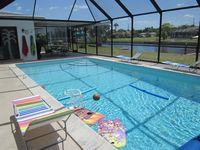 Beautiful Home on a Salt Water Canal with Huge 30' x15' POOL