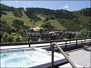 Aspen condo photo - Rooftop Hot tub