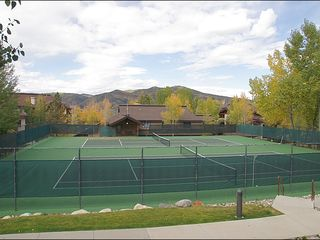 Steamboat Springs condo photo - 2 Tennis Courts