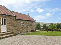 MOORS EDGE COTTAGE, pet friendly in Rosedale Abbey, Ref 8636