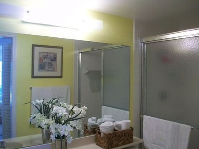 Plantation condo rental - Master bathroom shower with his and her sinks