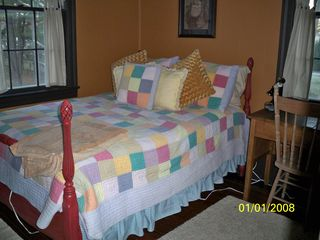 Gloucester house photo - Double bed