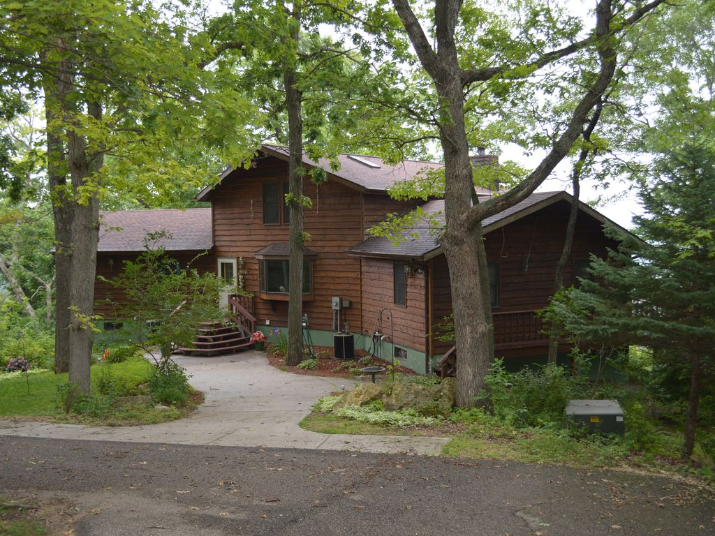 Secluded wisconsin cabin over looking the vrbo for Vrbo wisconsin cabins