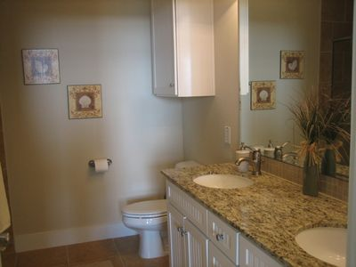 Master Bathroom-Private/ Granite Counters/Spacious
