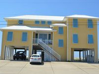 Bella Spiaggia: 4 BR / 3.5 BA vacation home in Navarre Beach, Sleeps 10
