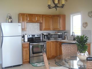 Long Island villa photo - stainless steel kitchen very clean