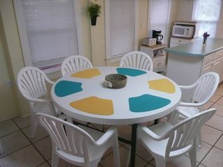 Crescent Beach cottage photo - One of 3 dining tables, second level