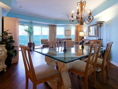 Dining Area and Living Area with Expansive Views!