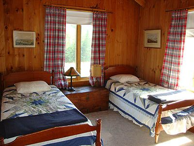 Twin Master with Full Bathroom and View of the Meadow and Mountain