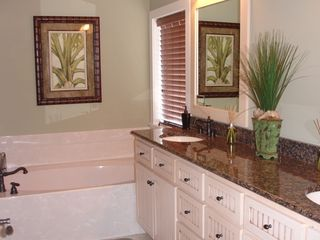 Silver Sands Beach house photo - Master Bathroom