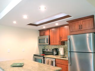 Honokowai condo photo - All new stainless steel appliances and granite counter tops!