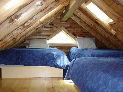 Colton cottage rental - 3 double beds in loft