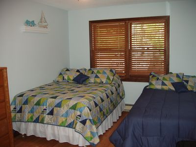 Bedroom 3 with full and twin