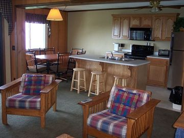 Snowshoe Mountain condo rental - 302C kitchen and dinning