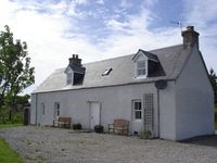 Traditional crofters cottage in idyllic situation between Inverness and Aviemore
