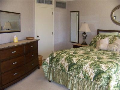 Honolulu Vacation Rental  Executive Centre, South Side