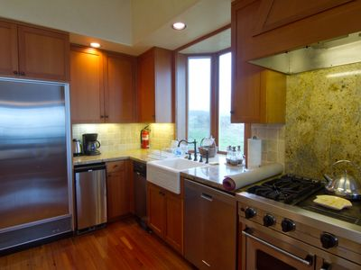 kitchen, partial view of 6-burner professional Viking range