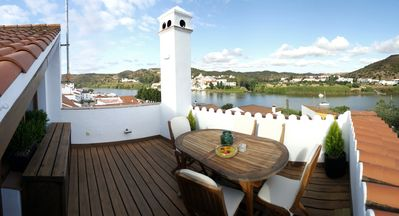Rural house with wonderful views over the Guadiana River
