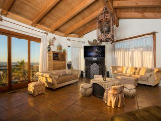 West Hollywood house photo - Living room with cathedral ceilings.