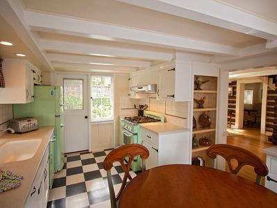 Carmel cottage rental - Fun, modern, retro style kitchen, seats 4.