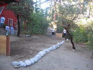 Idyllwild cabin photo - Fun and games at the horseshoe court