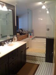 Woodstock farmhouse photo - Bathroom