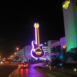 Condo is located just 3 miles to the Hard Rock & Beau Rivage Casinos