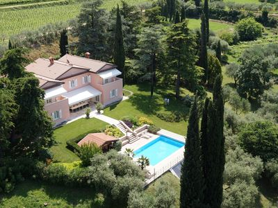 Luxury &  Chic Rental Villa Lake Garda Lazise. Private park and swimming pool