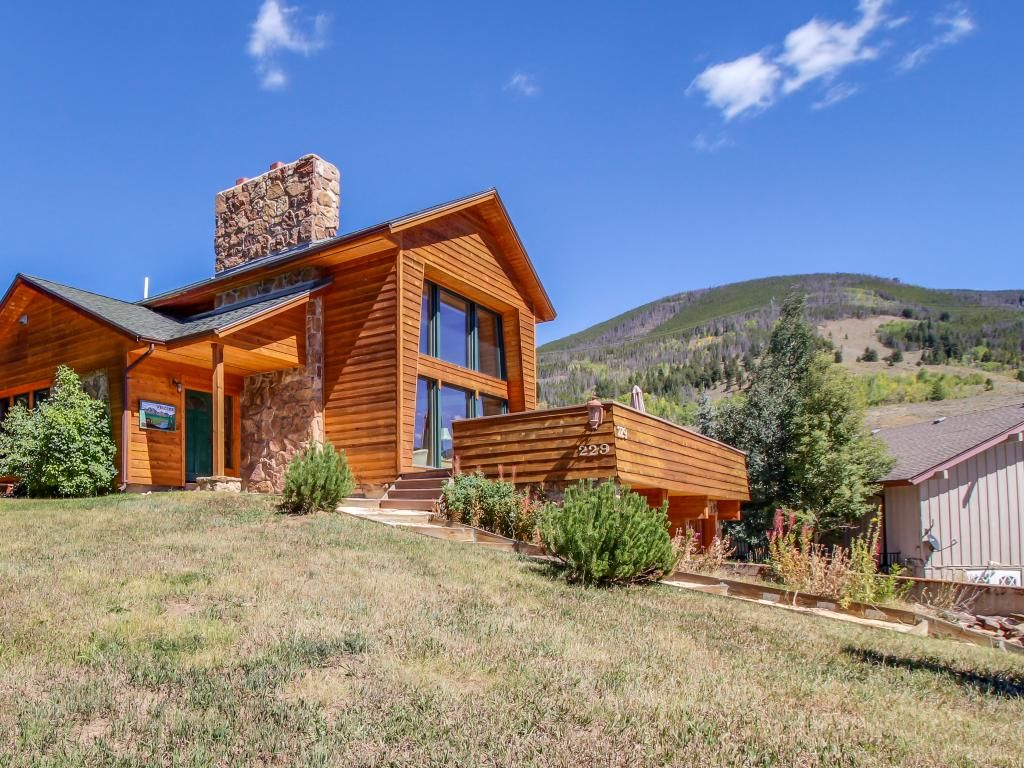 Gorgeous home with room for 7 spectacular vrbo for Cabins in keystone colorado