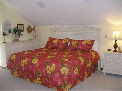 Master Bdrm w/ King Bed, TV, Desk, Private Bath, Balcony, & Spacious Closet