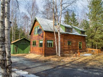 Kenai cabin rental - At the Alaskan Byways, you get the entire historic cabin to yourself in Hope, AK