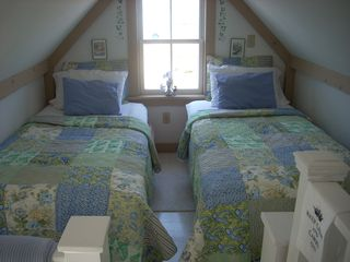 Bristol cottage photo - loft bedroom overlooking the water