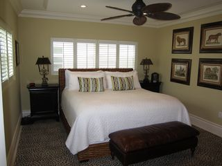 Grand Cayman condo photo - 3rd large bedroom with king-size pillow-top mattress and beautiful views