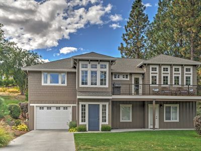Beautiful 4BR Wapato Point Home w/Private Hot Tub!