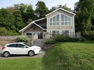 Lakeside spacious house in a resort area 15 mn from Quebec City