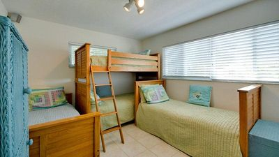 Anna Maria house rental - 3rd Bedroom. One bunk bed and 2 twin beds.