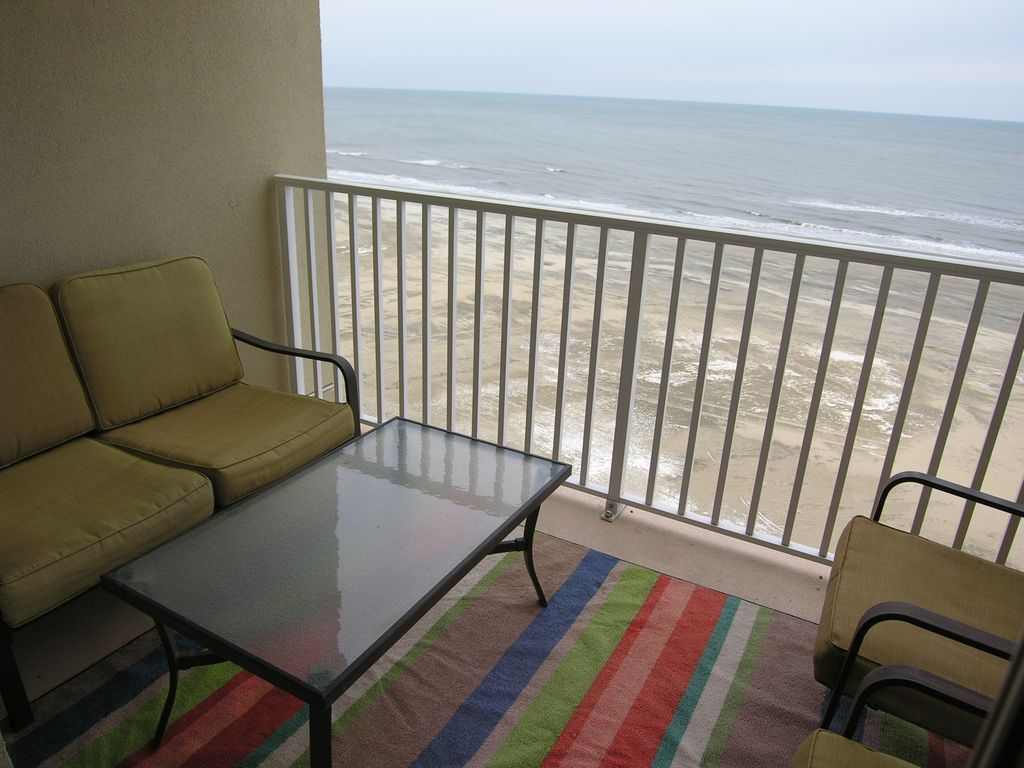 Virginia Beach Condo Rental Oceanfront Updated 3 Bedroom Condo On The Boardwalk In The Resort