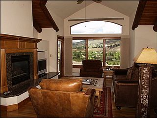 Edwards house photo - Living Area with Vaulted Ceilings, Spectacular Picture-Window Views