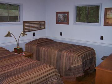 Twin Room with X-tra long mattress and DirecTV