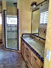 Puerto Penasco house photo - Bath and laundry for the second bedroom double sinks and shower heads