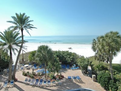 Siesta Key condo rental - pool and beach