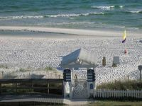 Beach Retreat Awesome View, Pet Friendly Top Floor Unit -
