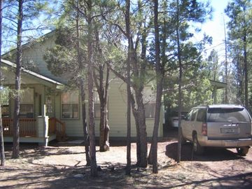 Pinetop cottage rental - Front of Property