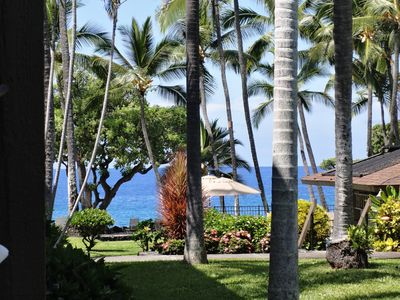 Kailua Kona condo rental - View from our Lanai. Yes,the water is that blue.