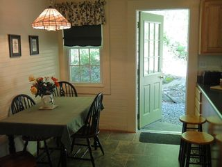 Black Mountain cabin photo - Kitchen dining and level walkout