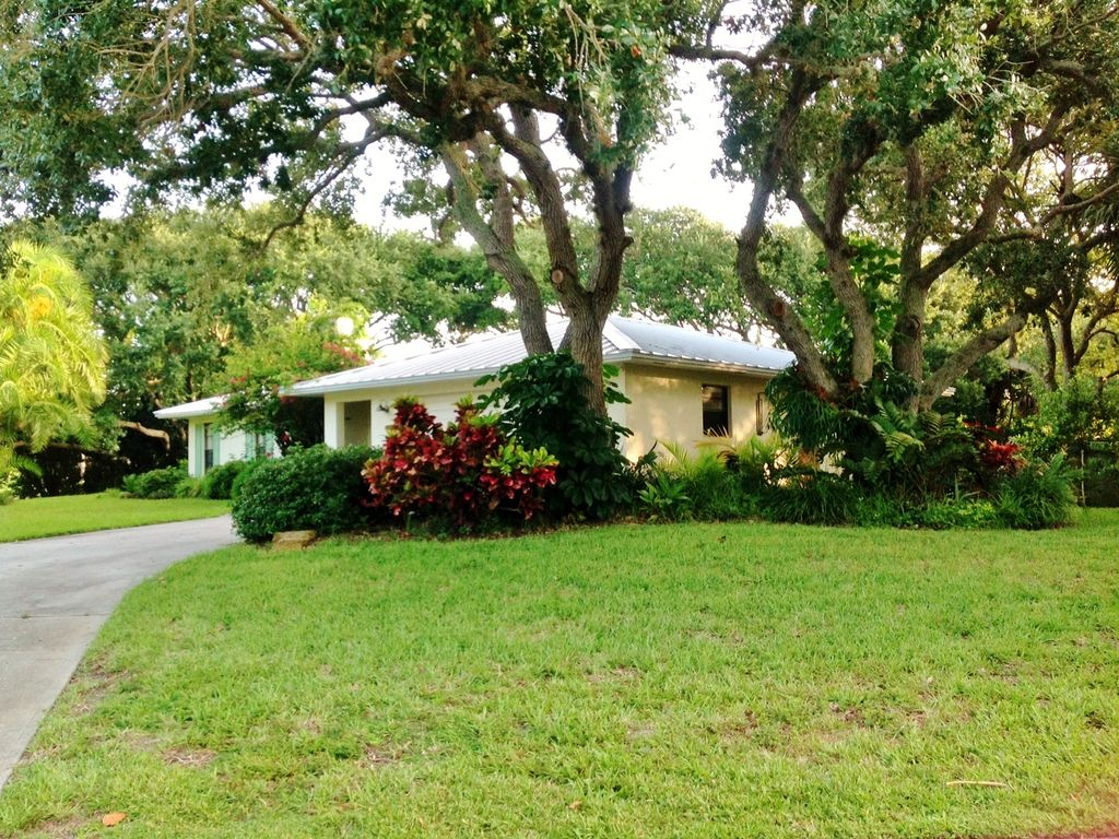 Private House On 1 2 Acre Lot Walk To Beach Vrbo