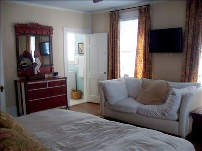 Wrightsville Beach cottage rental - Master bedroom.